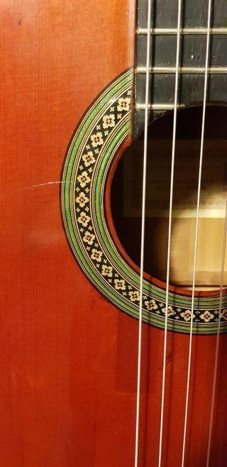 Guitarra Conde Hermanos 1976