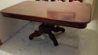 Mesa de comedor y sillas