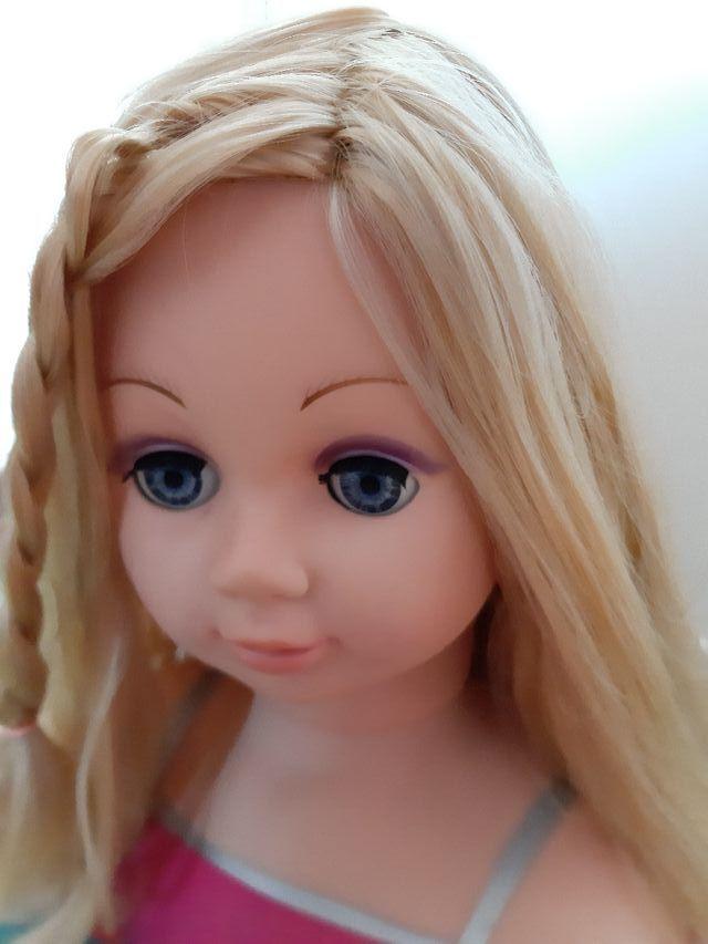 Muñeca para peinar y maquillar