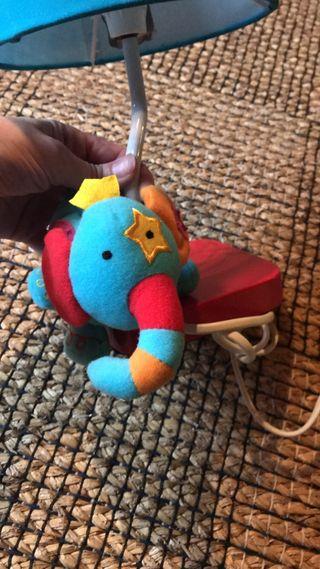 Lámpara infantil con elefante peluche