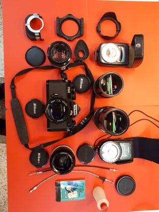 Nikon FM2, objetivos y accesorios.