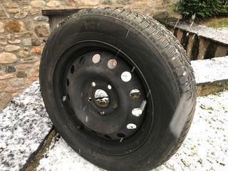 Neumáticos nieve con llanta