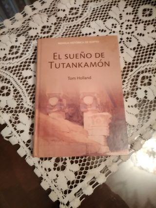 libro novela el sueño de Tutankamón Tom holland