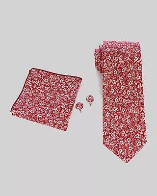 Corbata, pañuelo y gemelos