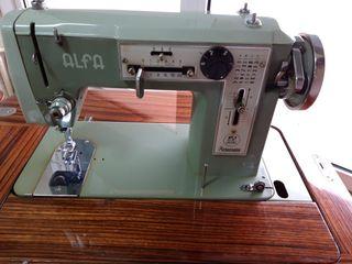Máquina de coser ALFA modelo 104