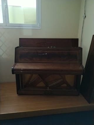 Piano pared