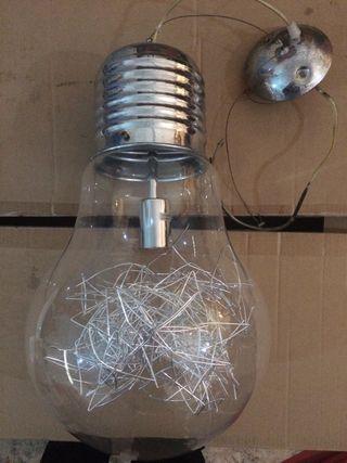 Lámpara forma bombilla