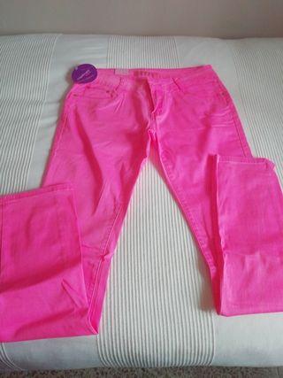 pantalón rosa neón