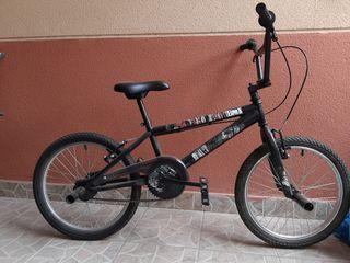 Bicicleta y patín