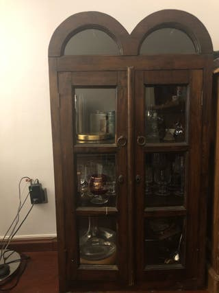 Armario. Mueble antiguo. Mueble bar. Auxiliar