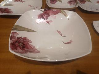 Vajilla de porcelana, diseño moderno