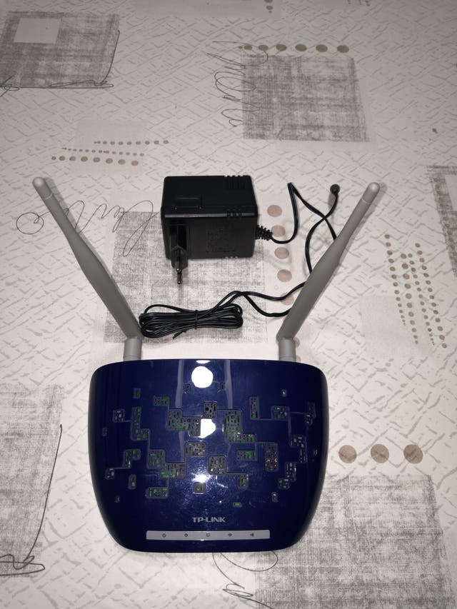 Router inalámbrico TP-LINK TL-WA830RE