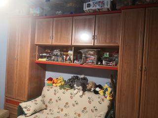 armario y sofá cama