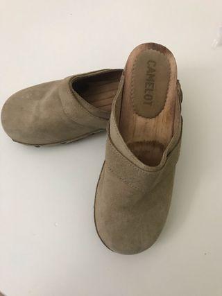Zuecos, zapatos, calzado niña N* 32