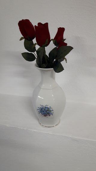 jarron porcelana con rosas