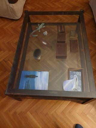 mesa centro de hierro y cristal