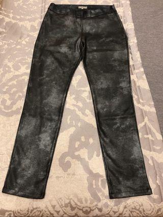 Pantalón leggin en tono gris
