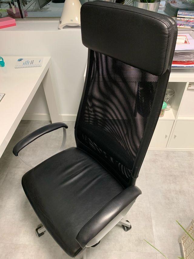 Silla oficina negra