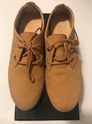 Zapatos de mujer marca darkwood.