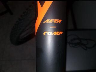Bicicleta de Carbono KTM