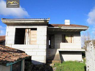 Casa en venta en Barrocanes en Ourense