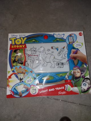 Pizarra con luz para calcar Toy Story