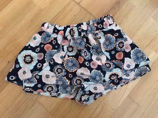 Pantalón corto parece una falda Zara talla S