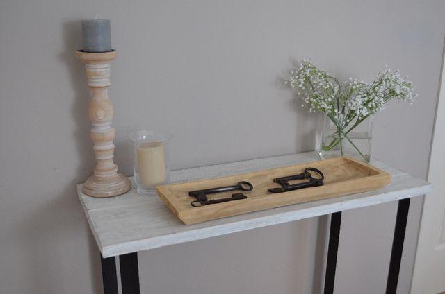 Consola madera blanca patas negras industrial
