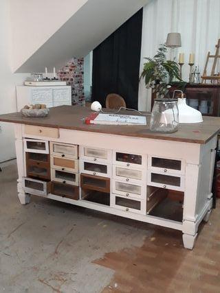 Mostrador vintage . Mueble de oficio vintage.
