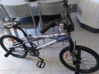 Bicicleta bmx +casco