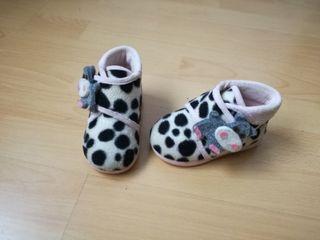 Zapatillas de casa niño niña T.22 VACA