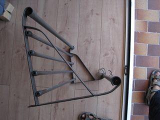 perchero metalico Ikea con repisa