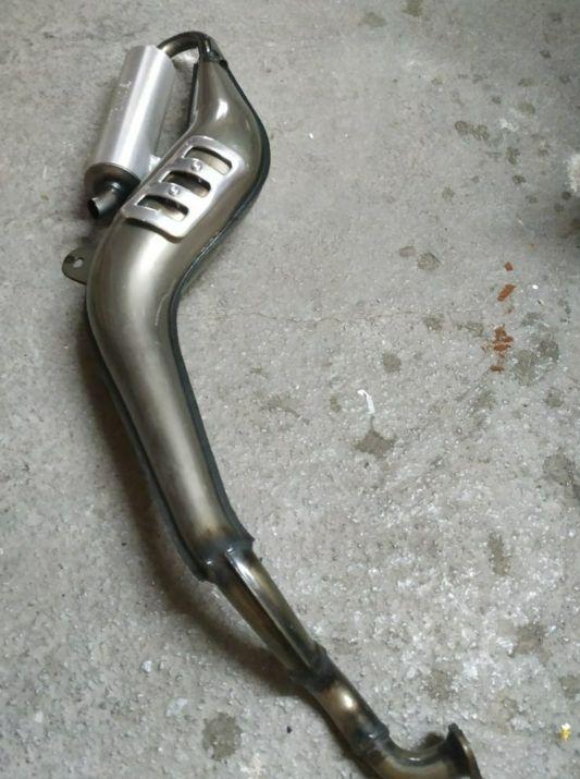 tubo escape derbi varían giannelli