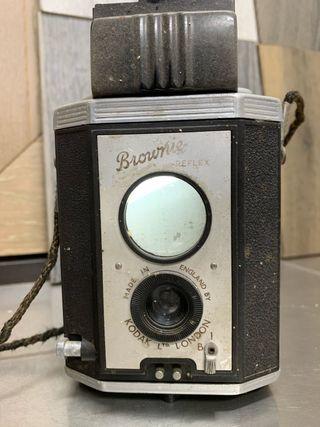 Cámara vintage Brownies réflex Kodak london.