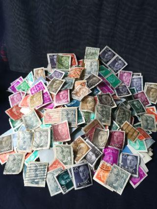 más de 300 sellos