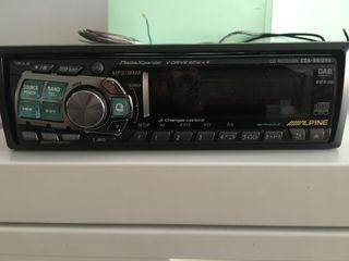 Auto-Radio ALPINE