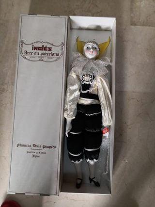 Muñeco arlequín de porcelana