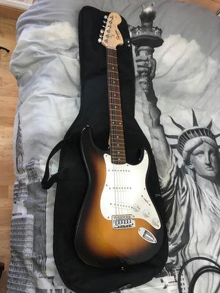 Guitarra eléctrica fender squier affinity