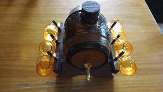 Barril licorera con 6 vasos, de cristal