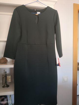 vestido de señora verde oscuro
