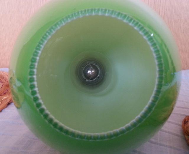 Lámpara de techo en vidrio color verde. Años 70.