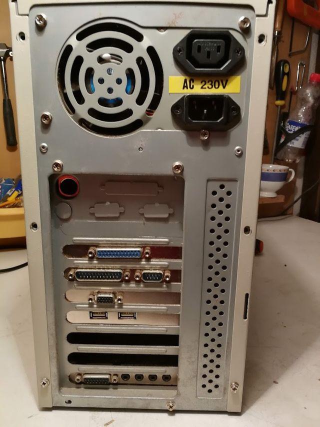 ordenador vintage pentium mmx 166 años 90