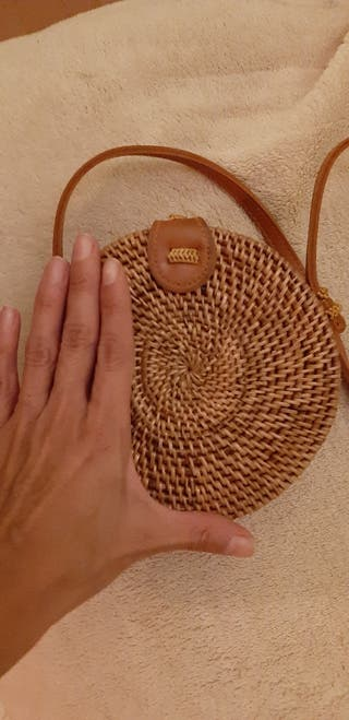 bolsito artesanal de Bali. hecho a mano.
