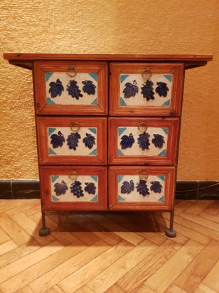 Mueble rústico de madera y cerámica con cajones