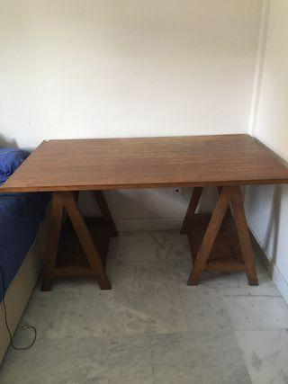 Mesa madera maciza con caballetes