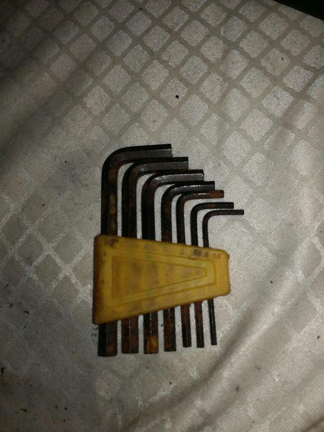juego de llaves L