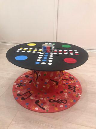 Mesa de juego del parchís