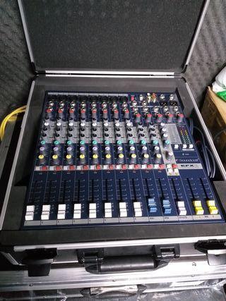 Mesa Soundcraft efx 8 con maleta