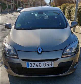 COCHE EN PERFECTO ESTADO Renault Megane 1.9 130 CV con todos los extras