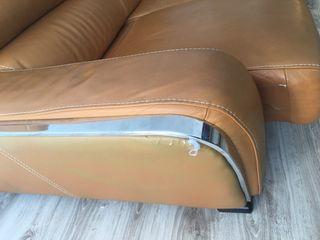 Sofa de piel dos plazas